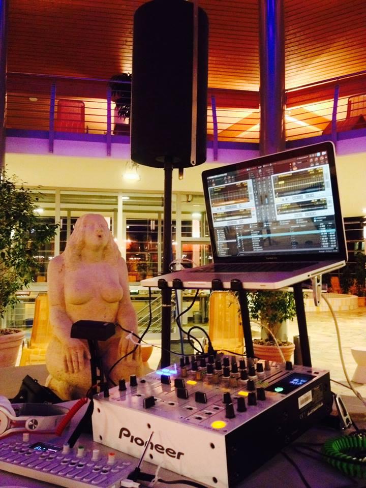 [micro:form] DJ SETUP