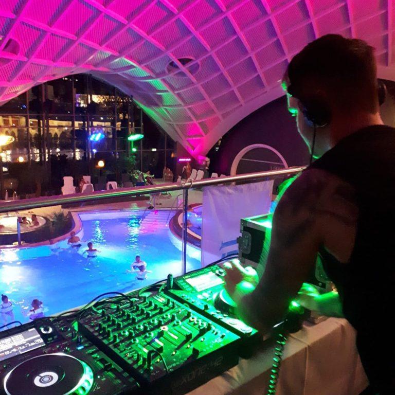 DJ Robbie Dee in bad Orb